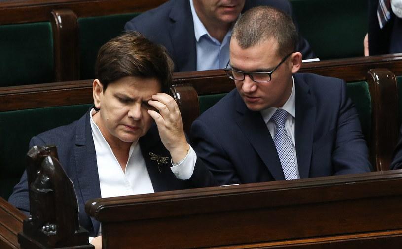 Premier Beata Szydło oraz sekretarz stanu w KPRM Paweł Szefernaker /Rafał Guz /PAP