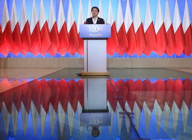 Premier Beata Szydło podczas konferencji podsumowującej 100 dni pracy rządu, fot. Radek Pietruszka /PAP