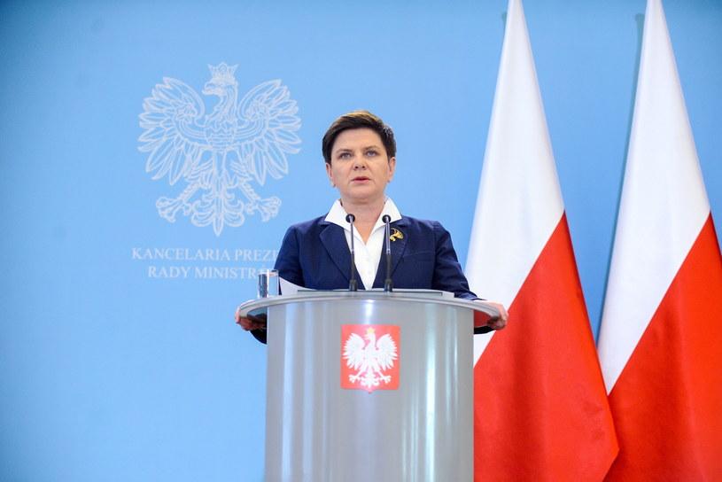Premier Beata Szydło podczas konferencji prasowej /Marcin Obara /PAP