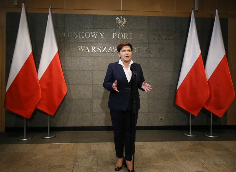 Premier Beata Szydło podczas konferencji przed wylotem do Strasburga /Paweł Supernak /PAP