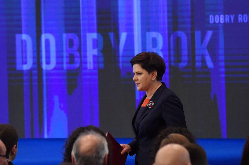 Premier Beata Szydło podczas konferencji /Radek Pietruszka /PAP