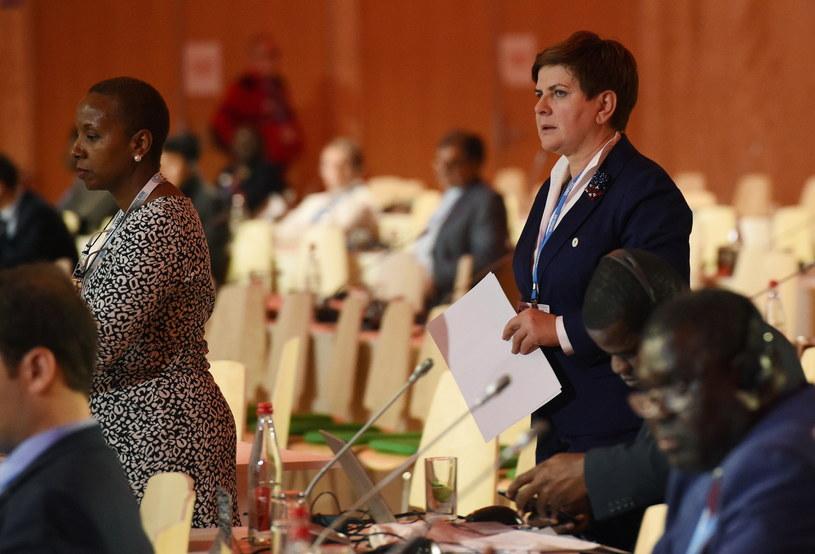 Premier Beata Szydło przed swoim wystąpieniem podczas szczytu klimatycznego COP21 w Paryżu /Radek Pietruszka /PAP