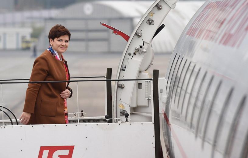 Premier Beata Szydło przed wylotem do Brukseli /PAP/EPA