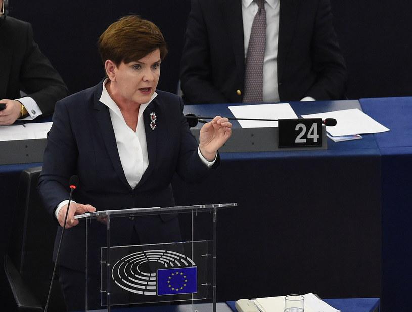 Premier Beata Szydło przemawia w czasie debaty o Polsce w PE /Radek Pietruszka /PAP