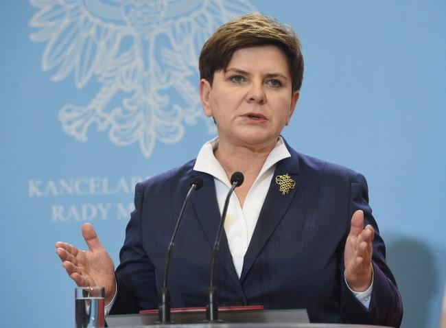 Premier Beata Szydło przyleciała we wtorek rano do Strasburga /Radek Pietruszka /PAP