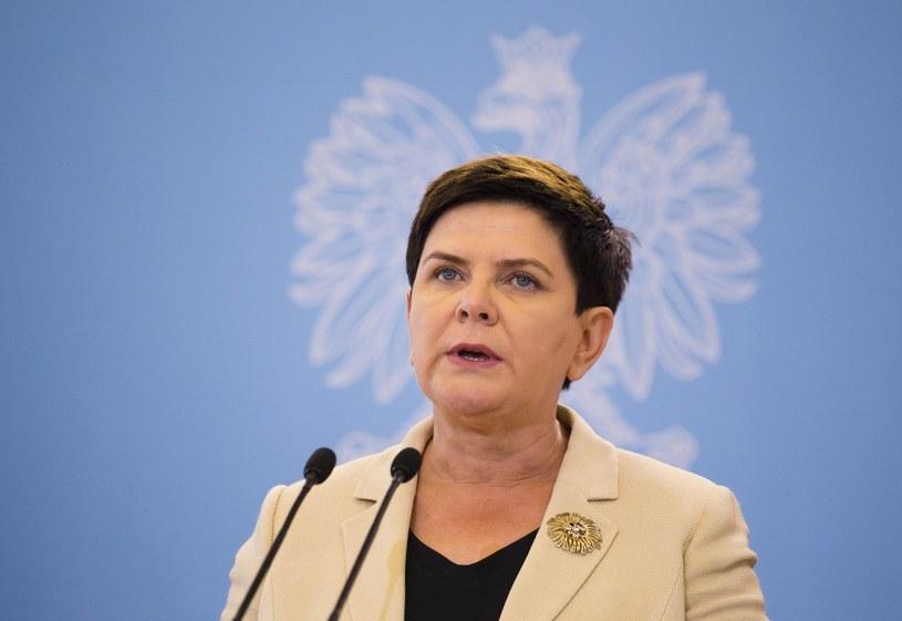 Premier Beata Szydło zabrała głos w sprawie sporu kompetencyjnego między prezydentem a szefem MON /Krystian Dobuszyński /Reporter