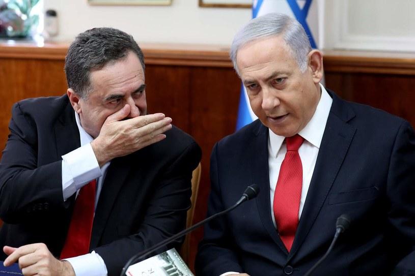 Premier Benjamin Netanjahu (z prawej) oraz szef dyplomacji Israel Kac /AFP