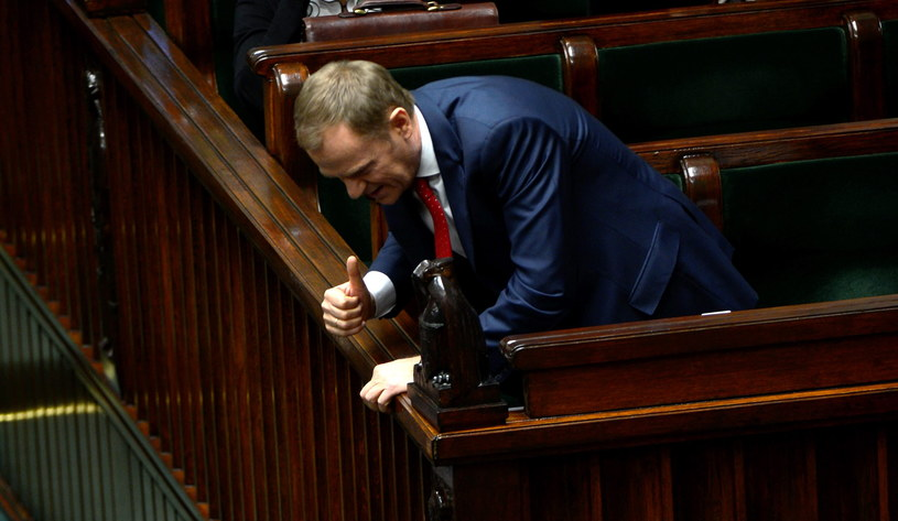 Premier Donald Tusk na sali obrad/ fot. Bartłomiej Zborowski /PAP