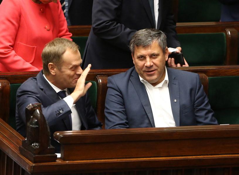 Premier Donald Tusk oraz wicepremier i minister gospodarki Janusz Piechociński /Tomasz Gzell /PAP