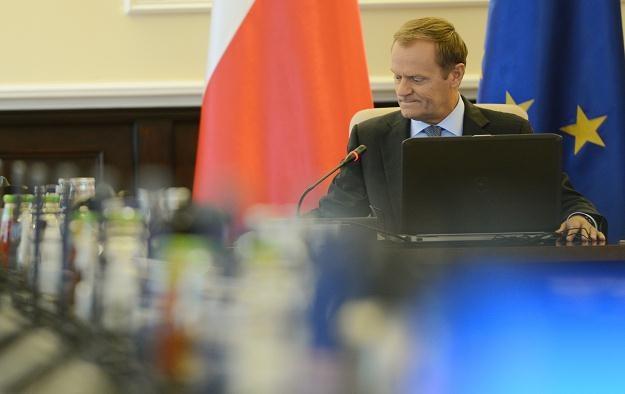 Premier Donald Tusk przed dzisiejszym posiedzeniem rządu, 14 sierpnia 2012 /PAP
