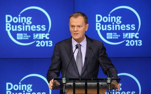 Premier Donald Tusk, przed wylotem do bazy Delta w Mitrowicy /fot. Paweł Supernak /PAP