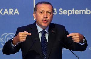 Premier Erdogan: Asad uzyskał czas na nowe masakry
