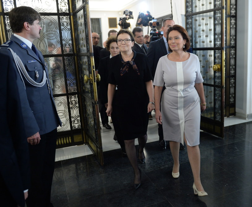 Premier Ewa Kopacz i marszałek Sejmu Małgorzata Kidawa-Błońska /Jacek Turczyk /PAP