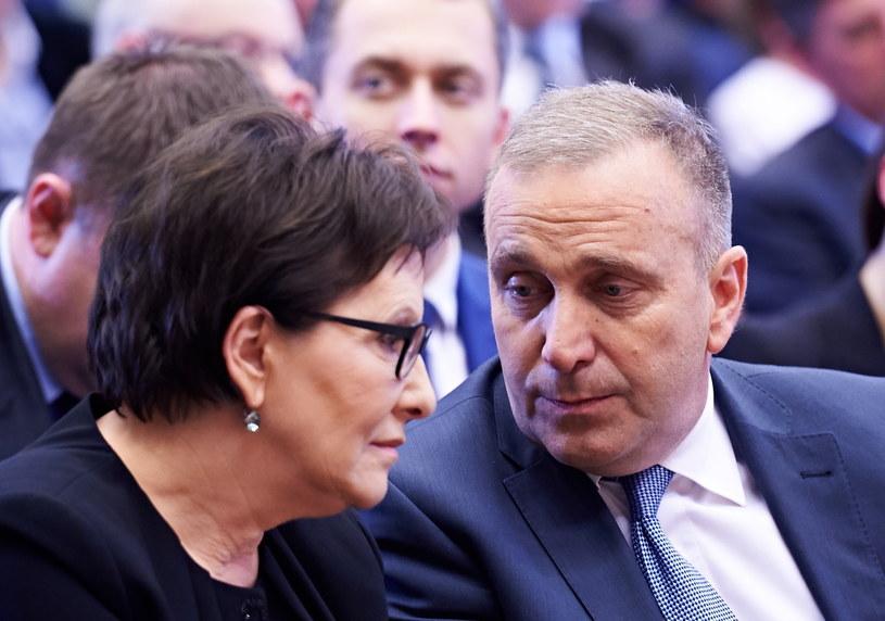 Premier Ewa Kopacz oraz minister spraw zagranicznych Grzegorz Schetyna /Adam Warżawa /PAP
