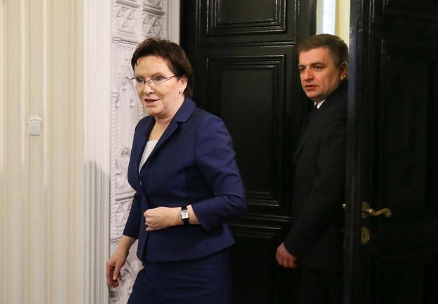 Premier Ewa Kopacz (P) i minister zdrowia Bartosz Arłukowicz (L) /Paweł Supernak /PAP