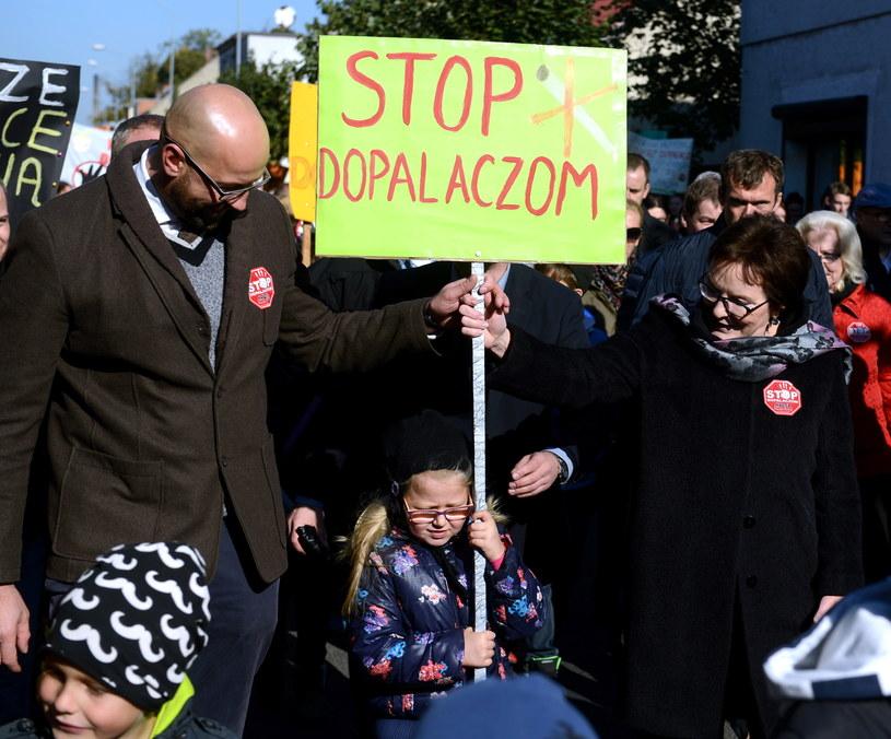 Premier Ewa Kopacz (P), która 10 bm. odwiedziła Opalenicę wzięła udział w marszu młodzieży przeciwko dopalaczom / PAP/Jakub Kamiński /PAP