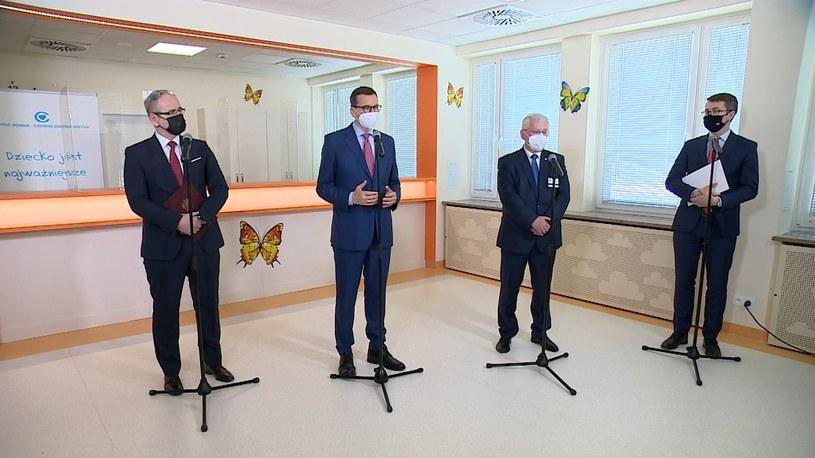 Premier i minister zdrowia ogłosili zmiany w harmonogramie obostrzeń /Polsat News /