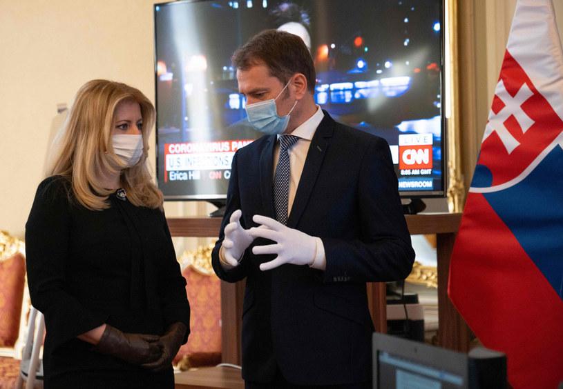 Premier Igor Matovicz  i  prezydent Słowacji Zuzana Czaputova /JOE KLAMAR /AFP