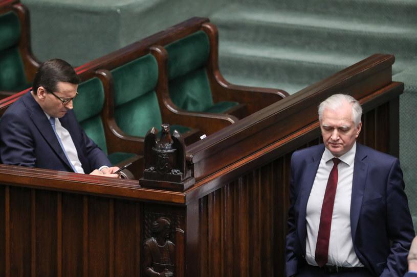 Premier Mateusz Morawiecki i były wicepremier Jarosław Gowin /Andrzej Iwańczuk /Reporter