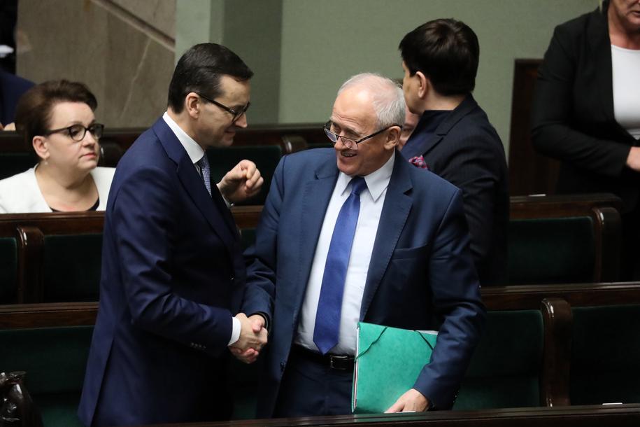 Premier Mateusz Morawiecki i minister energii Krzysztof Tchórzewski w Sejmie /PAP /PAP