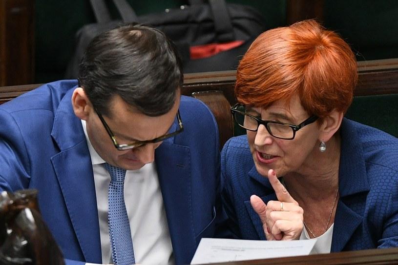 Premier Mateusz Morawiecki i minister rodziny, pracy i polityki społecznej Elżbieta Rafalska /Rafal Oleksiewicz/REPORTER /Reporter