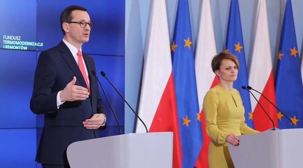 Premier Mateusz Morawiecki i minister rozwoju Jadwiga Emilewicz /Paweł Supernak /PAP