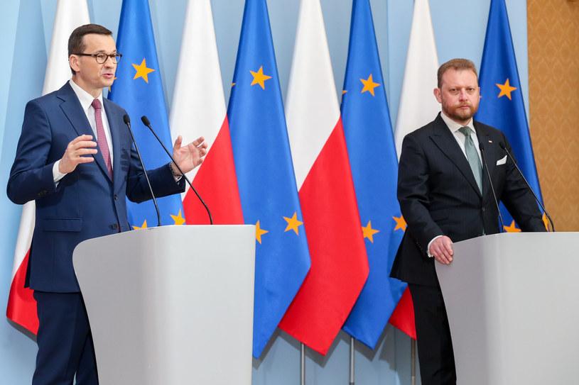 Premier Mateusz Morawiecki i minister zdrowia Łukasz Szumowski /fot. Andrzej Iwanczuk /Reporter