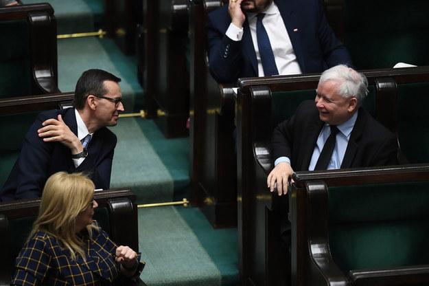 Premier Mateusz Morawiecki i prezes PiS Jarosław Kaczyński w Sejmie /Radek  Pietruszka /PAP
