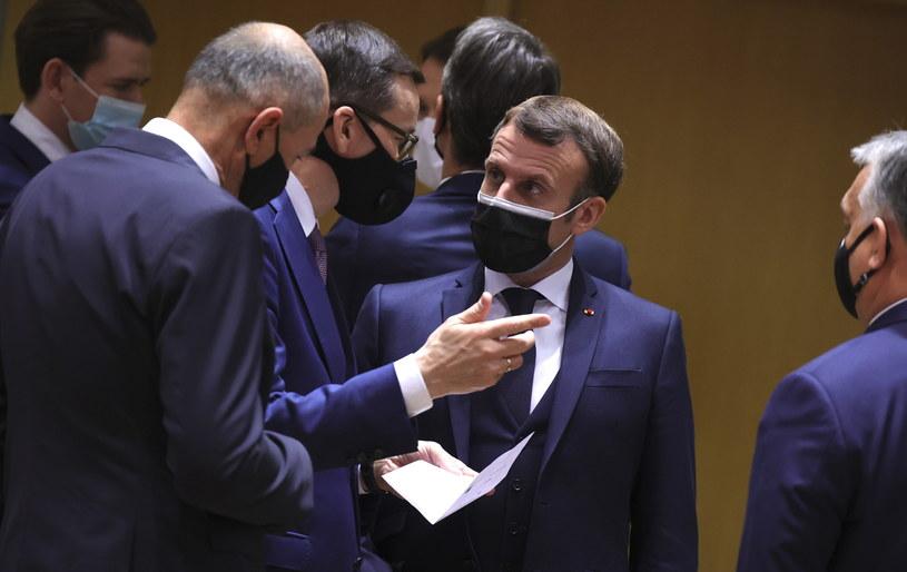 Premier Mateusz Morawiecki i prezydent Francji Emmanuel Macron /PAP/EPA