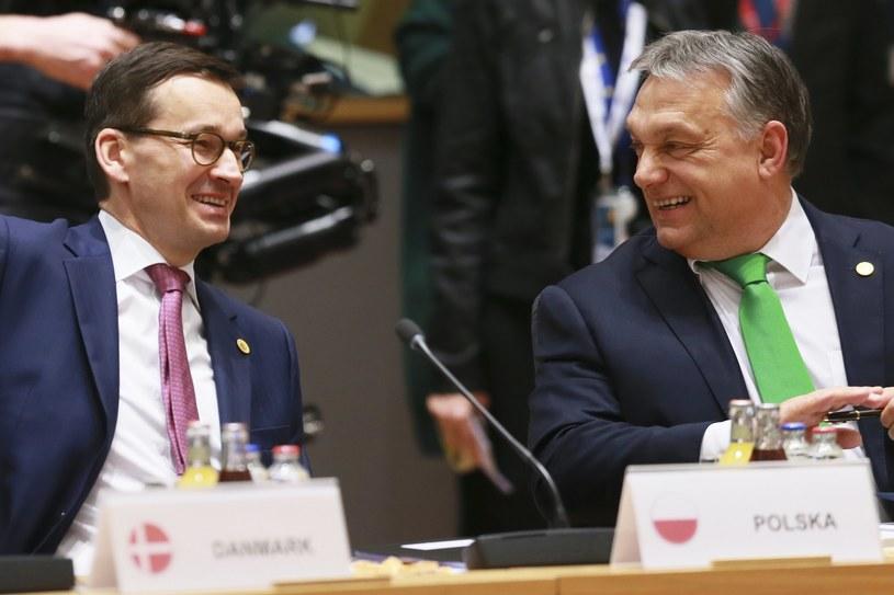 Premier Mateusz Morawiecki i węgierski premier Viktor Orban /OLIVIER HOSLET / POOL /PAP/EPA