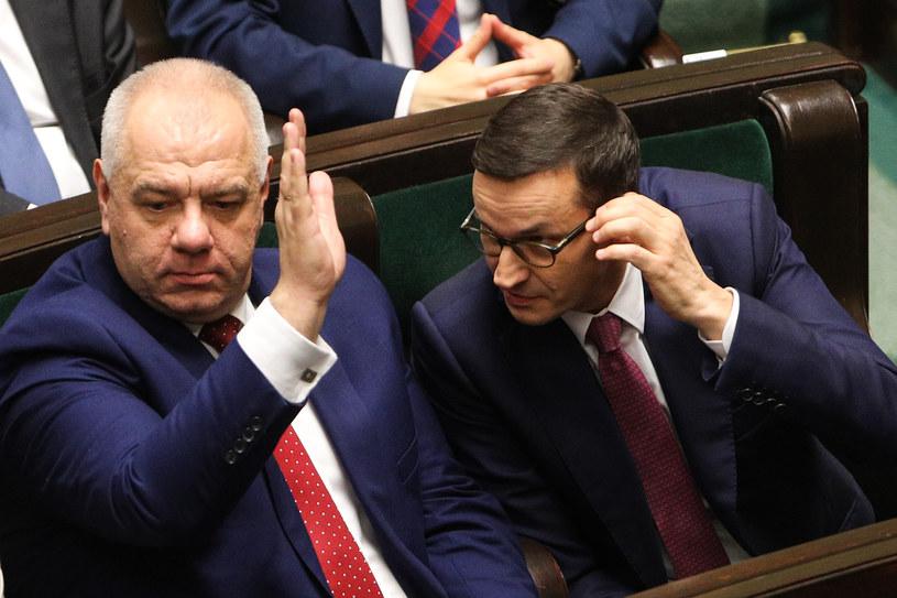 Premier Mateusz Morawiecki i wicepremier Jacek Sasin podczas posiedzenia Sejmu /Andrzej Hulimka  /Agencja FORUM