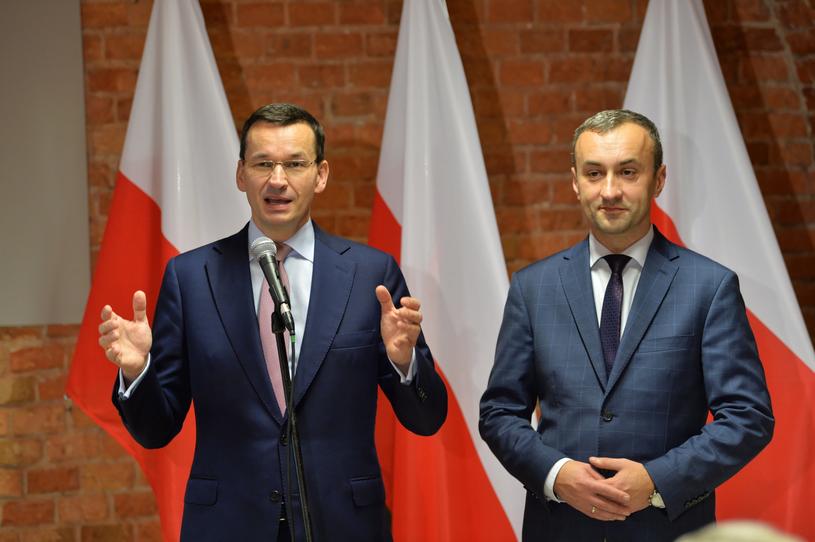 Mateusz Morawiecki (L) Prime Minister and Jarosław Chmielewski (P) / Tytus Żmijewski / PAP