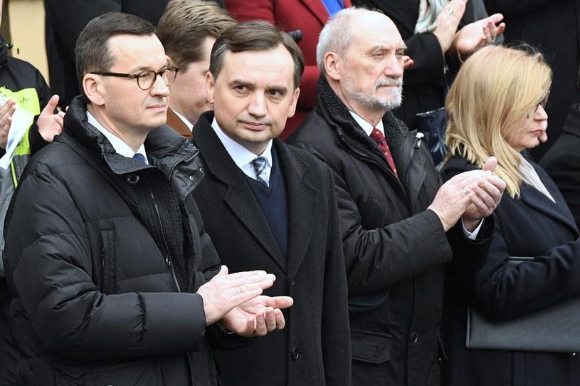 Premier Mateusz Morawiecki, minister sprawiedliwości Zbigniew Ziobro, poseł PiS Antoni Macierewicz oraz wicemarszałek Sejmu Małgorzata Gosiewska / Radek Pietruszka   /PAP