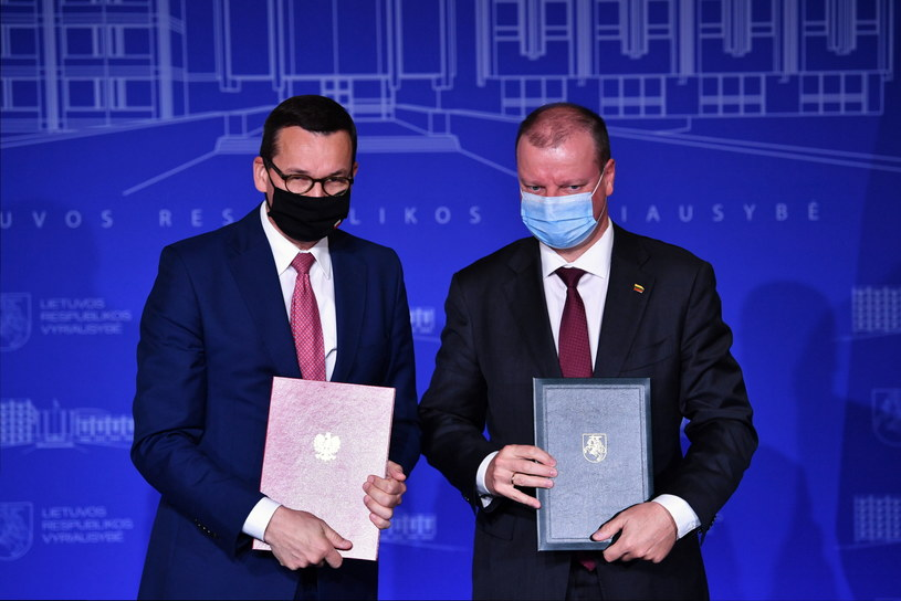 Premier Mateusz Morawiecki oraz premier Litwy Saulius Skvernelis / Radek Pietruszka   /PAP