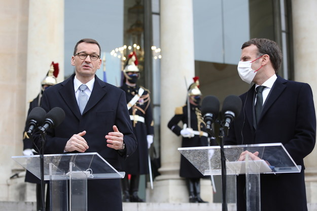 Premier Mateusz Morawiecki oraz prezydent Francji Francuskiej Emmanuel Macron / Leszek Szymański    /PAP