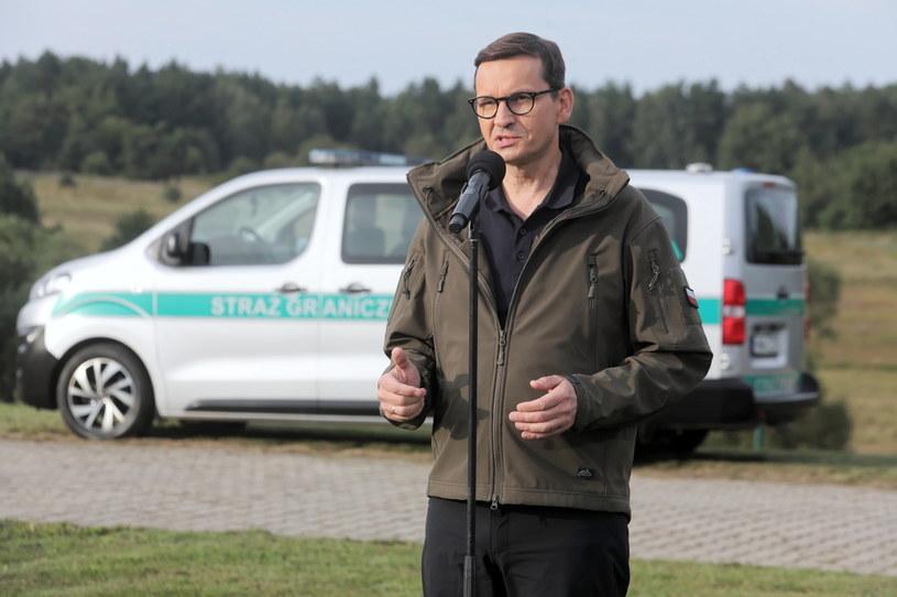Premier Mateusz Morawiecki osobiście przyglądał się sytuacji na granicy / Artur Reszko    /PAP