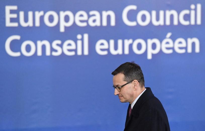 Premier Mateusz Morawiecki po zakończeniu nadzwyczajnego szczytu UE w Brukseli / Radek Pietruszka   /PAP
