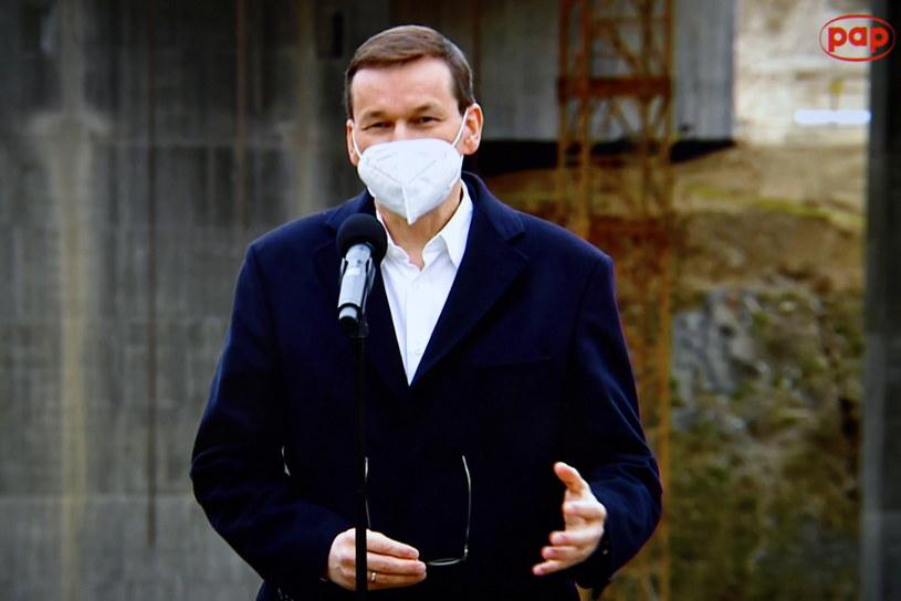 Premier Mateusz Morawiecki podczas jednej z konferencji prasowych /Adam Warżawa /PAP