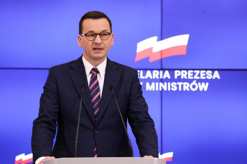 Premier Mateusz Morawiecki podczas konferencji prasowej po posiedzeniu rządu / Tomasz Gzell    /PAP