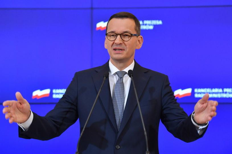 Premier Mateusz Morawiecki podczas konferencji prasowej po posiedzeniu rządu w siedzibie KPRM w Warszawie / Radek Pietruszka   /PAP