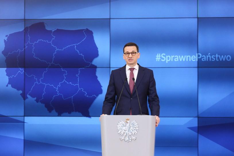 Premier Mateusz Morawiecki podczas konferencji prasowej /Paweł Supernak /PAP