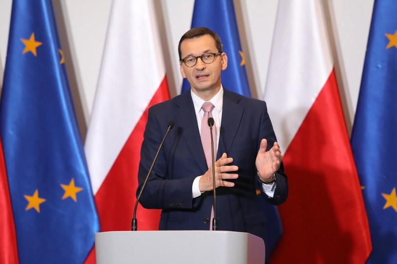 Premier Mateusz Morawiecki podczas konferencji prasowej / Tomasz Gzell    /PAP