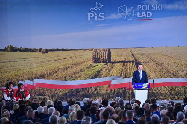 Premier Mateusz Morawiecki podczas konwencji Prawa i Sprawiedliwości /Piotr Polak /PAP/EPA