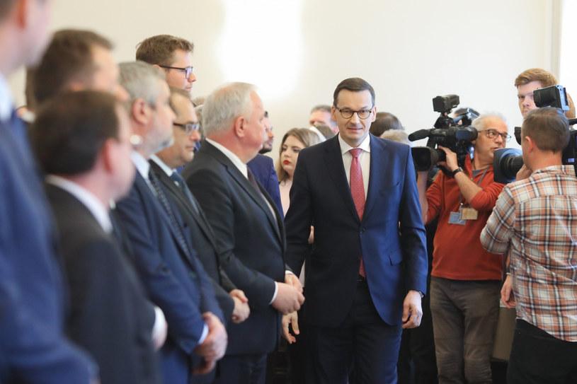 Premier Mateusz Morawiecki podczas posiedzenia Rady Ministrów /fot. Andrzej Iwanczuk/REPORTER /Reporter