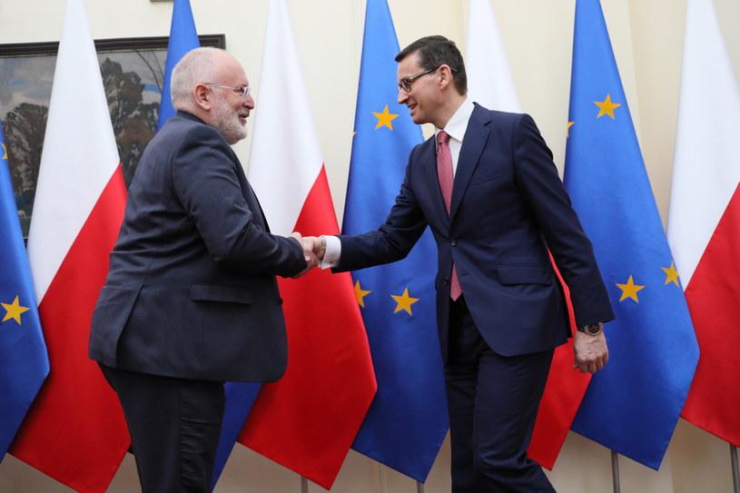 Premier Mateusz Morawiecki podczas powitania wiceprzewodniczącego Komisji Europejskiej Fransa Timmermansa / Leszek Szymański    /PAP