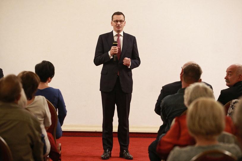 Premier Mateusz Morawiecki podczas spotkania wyborczego we Włocławku /Marcin Bednarski /PAP