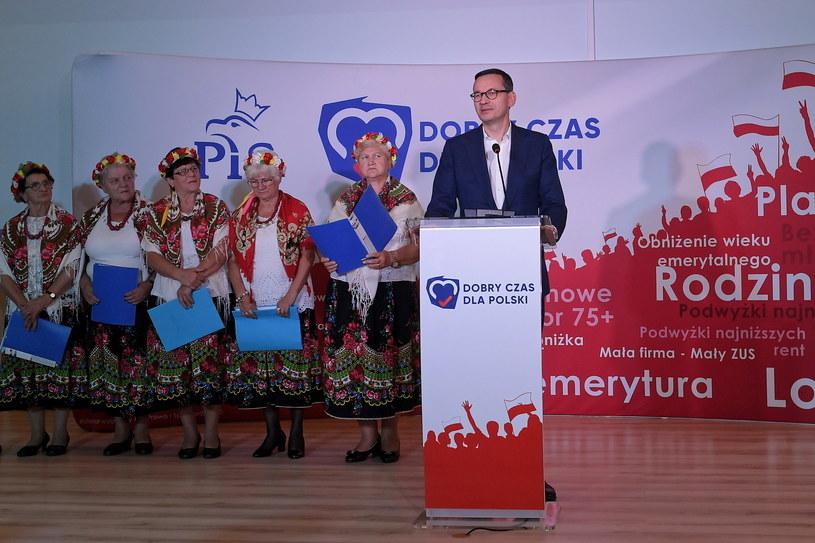 Premier Mateusz Morawiecki podczas spotkania z wyborcami w Ciechanowie / Marcin Obara  /PAP
