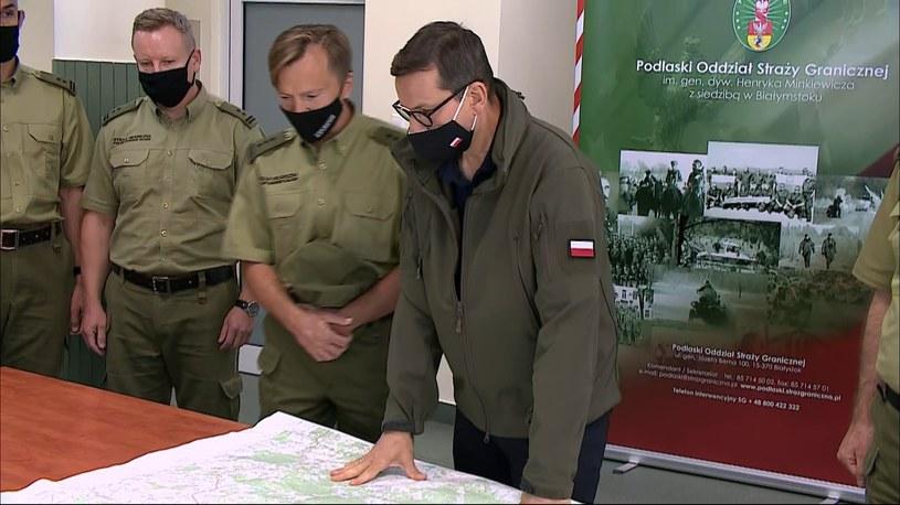 Premier Mateusz Morawiecki podczas spotkania ze strażnikami granicznymi /Polsat News /Polsat News
