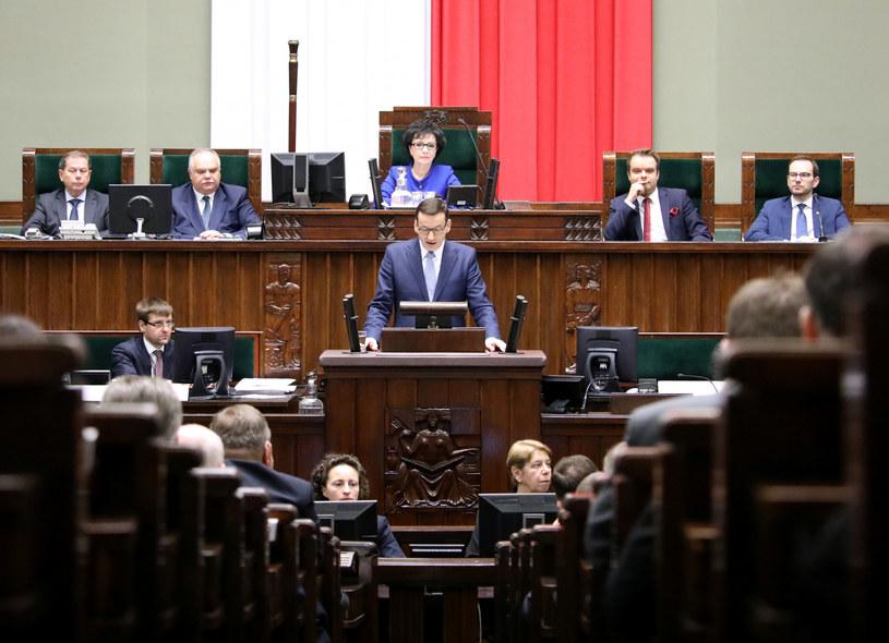 Premier Mateusz Morawiecki podczas wygłaszania exposé w Sejmie, fot. Piotr Molecki /Agencja SE/East News