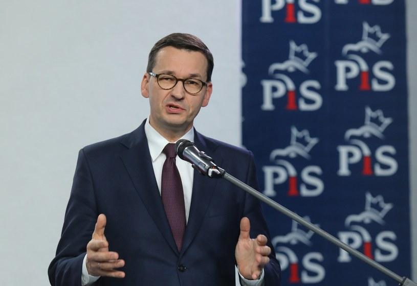 Premier Mateusz Morawiecki przedstawił w piątek skład swojego nowego rządu /Piotr Molecki /East News